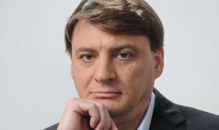 Jurnalistul Ion M. ioniță crede că premierul Grindeanu este pus să treacă prin ședința de Guvern proiectele privind graţierea şi modificarea Codurilor Penale
