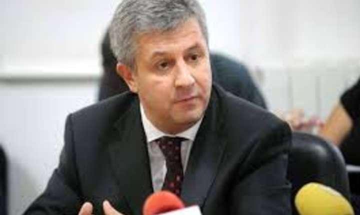 In pofida protestelor din fata Parlamentului, comisia Iordache merge inainte cu modificarile la legile justitiei
