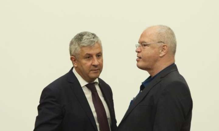 """Florin Iordache şi Eugen Nicolicea au reînviat OUG 13, scrie """"Adevărul"""" astăzi."""