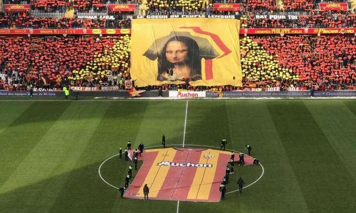 Banderola cu Gioconda în tribunele stadionului din Lens, 10 februarie 2018