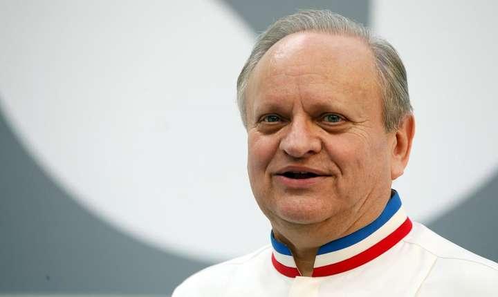 Joel Robuchon a fost recompensat de-a lungul vietii cu cele mai multe stele Michelin -  32 de stele - un record absolut
