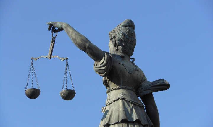 Ministrul susține că modificările aduse legilor justiției se vor dovedi benefice pentru cetățeni