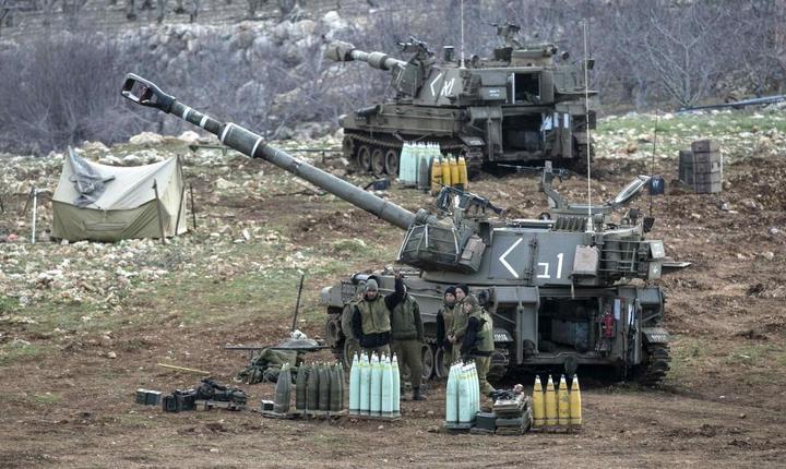 O unitate de artilerie israelianà pe platoul Golan, ianuarie 2015