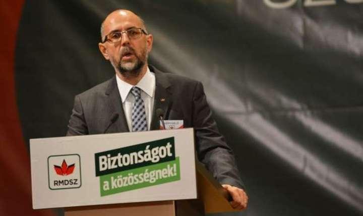 Kelemen Hunor nu ar fi de acord cu angajarea rudelor în funcţii publice (Foto: www.udmr.ro/Banga Előd-Ernő)