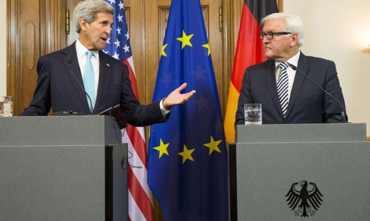 Secretarul de stat american John Kerry si ministrul german de externe Frank-Walter Steinmeier la Berlin pe 20 septembrie 2015