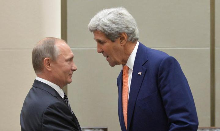 Presedintele rus Vladimir Putin si secretarul de stat american John Kerry în marginea summitului G20 din China pe 5 septembrie 2016