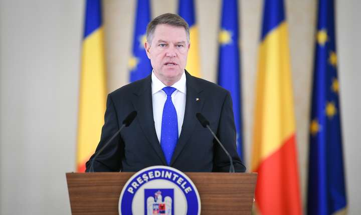 """Președintele Iohannis  acuza PSD că se folosește de """"năcazul foștilor deținuți politici"""" pentru a-și justifica asaltul la adresa Justiției"""