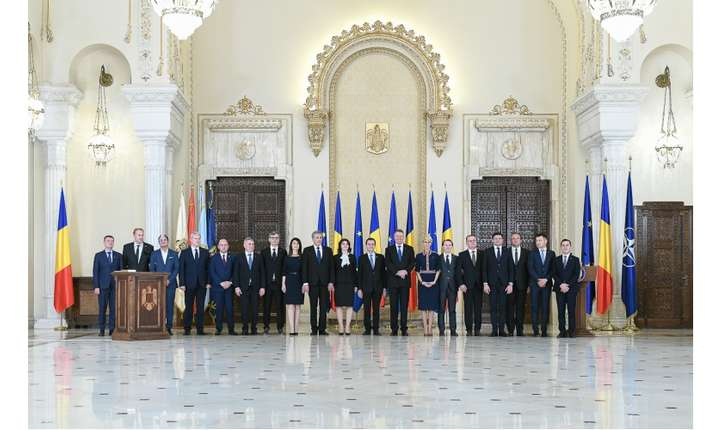 Președintele Klaus Iohannis și miniștrii din Guvernul Orban (Sursa foto: gov.ro)