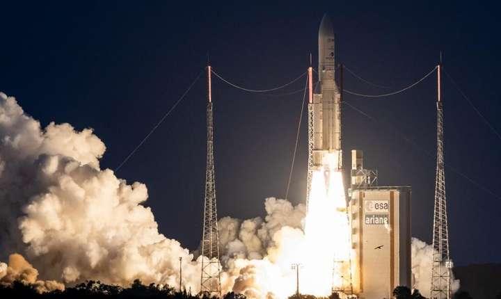O rachetà Ariane 5 decoleazà de la Centru spatial francez din Guyana francezà, 20 iunie 2019