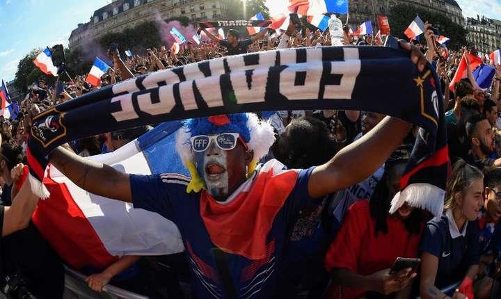 Suporteri ai echipei Franţei, la CM de fotbal din Rusia (Foto: AFP/Eric Feferberg)