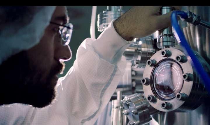Premieră mondială, la Măgurele: laserul a atins 10 PetaWatts (Sursa foto: Facebook/ELI-NP)