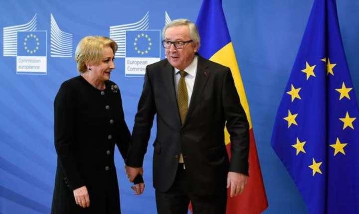 Premierul României, Viorica Dàncilà, alàturi de presedintele CE, Jean-Claude Juncker, la Bruxelles pe 28 februarie 2018