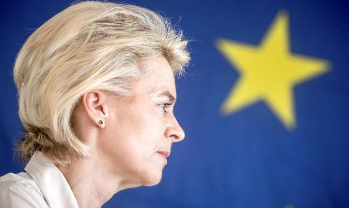 Germana Ursula von der Leyen propusă pentru postul de Preşedinte al Comisiei europene