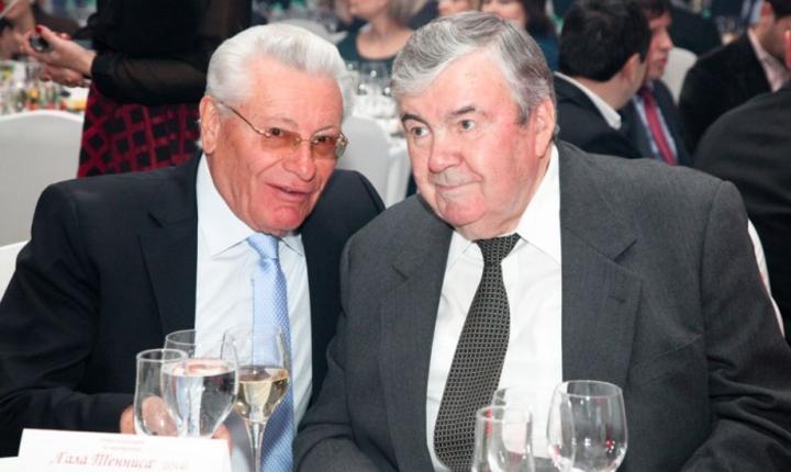 Petru Lucinschi (stânga) și Mircea Snegur