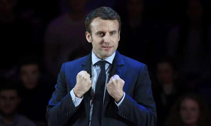 E pentru prima dată când Emmanuel Macron o depășește pe Marine Le Pen în intențiile de vot