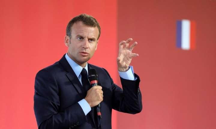 Emmanuel Macron, aici la Palatul Elysée pe 22 mai 2018, spune cà vrea sà schimbe metoda pentru a ajuta periferiile în dificultate