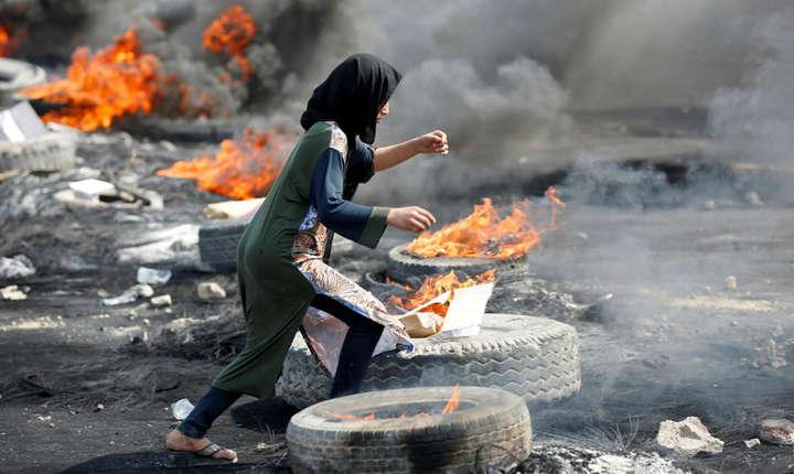 Manifestantii irakieni denunta somajul, coruptia si degradarea serviciilor publice.