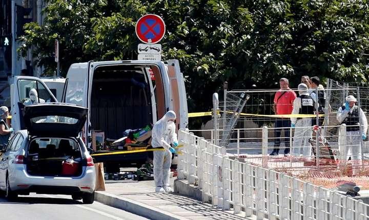 Politia din Marsilia la locul celui de-al doilea accident produs într-o statie de autobuz, 21 august 2017