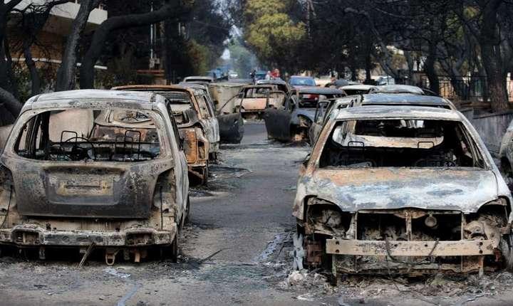 81 de oameni au murit în incendiile din apropierea Atenei