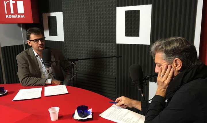 Matei Martin și Nicolas Don in studioul de inregistrari RFI Romania