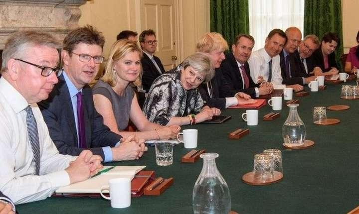 Prima ședință de cabinet după alegeri a cabinetului condus de Theresa May