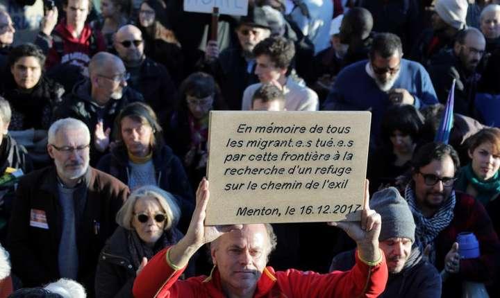 Francezi mobilizati la froniera cu Italia în favoarea migrantilor
