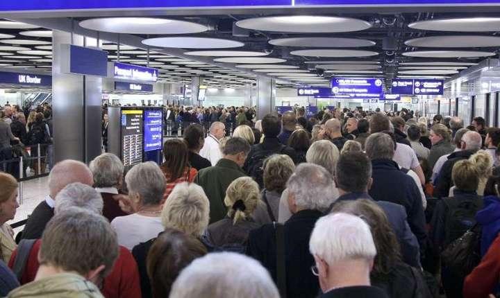 Sosiri la control pașapoarte