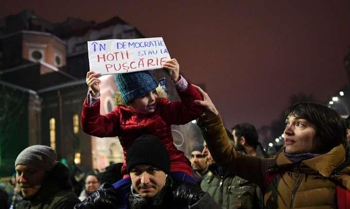 Manifestaţii în Bucureşti, 22 ianuarie 2017 (Foto: AFP/Daniel Mihăilescu)