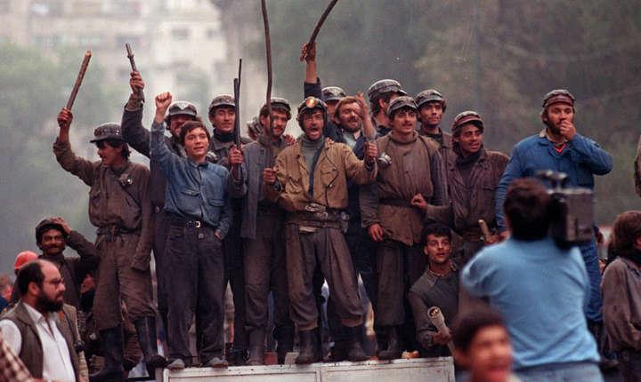 Ion Iliescu, Petre Roman si Virgil Magureanu sunt acuzati de crime impotriva umanitatii in Dosarul  Mineriadei