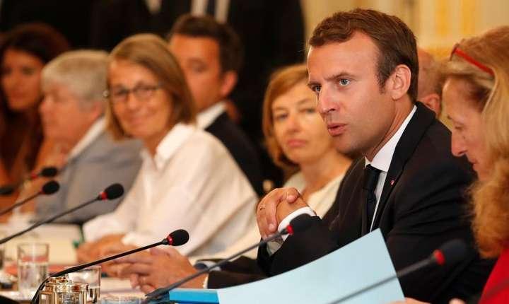 Ministri adunati în jurul presedintelui Frantei, Emmanuel Macron, 28 august 2017, Palatul Elysée