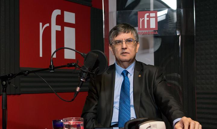 Ministrul Educaţiei, Mircea Dumitru, în studioul RFI