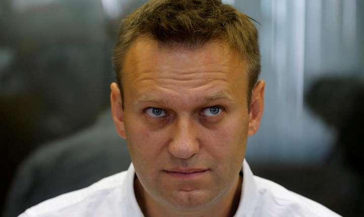 Opozantul rus Alexei Navalnîi a fost condamnat la 5 ani închisoare cu suspendare dupà ce a fos gàsit vinovat de deturnare de fonduri