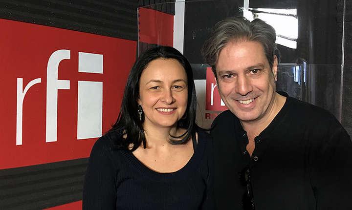 Sidonia Bogdan și Nicolas Don in studioul radio RFI