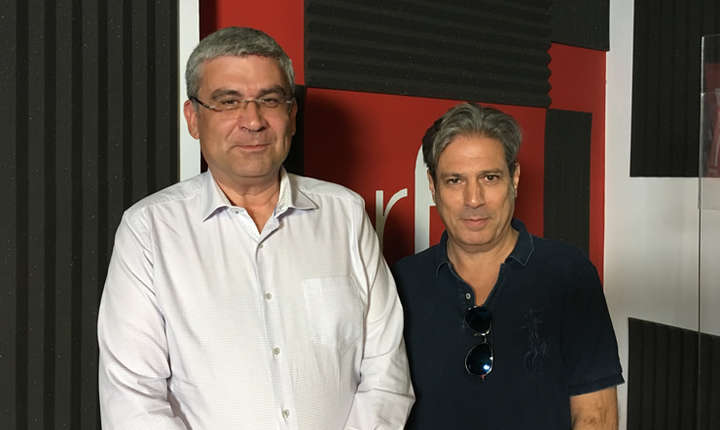 Teodor Baconschi și Nicolas Don in studioul radio RFI