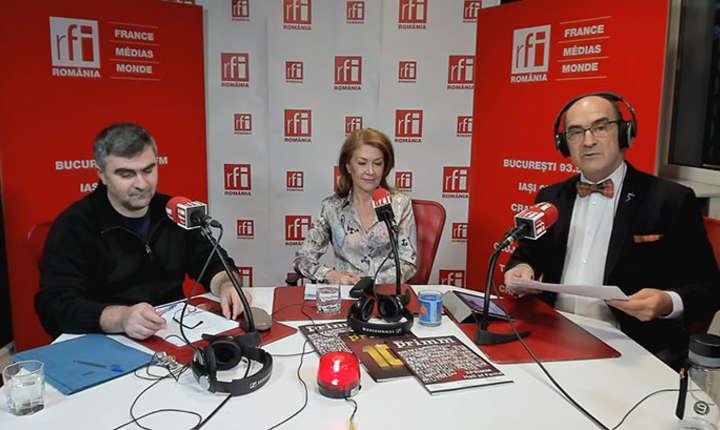Mirel BĂNICĂ, Nicoleta RADU şi Sergiu COSTACHE in studioul de emisie RFI Romania