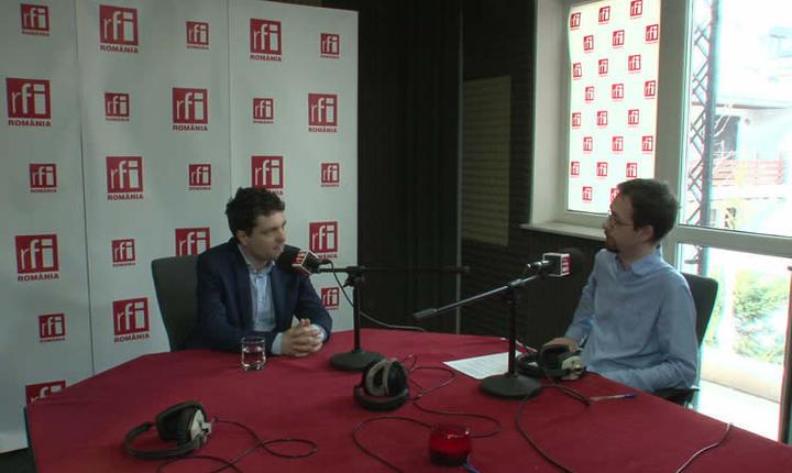 Nicușor Dan și Cosmin Ruscior in studioul RFI Romania