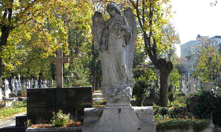 Cimitirul Bellu, deschis publicului în Noaptea Muzeelor
