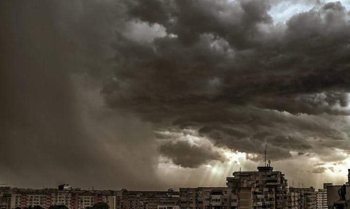 nori deasupra Bucurestiului