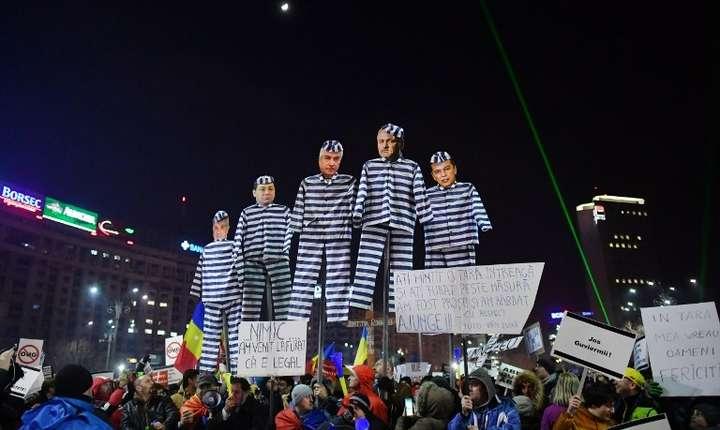 Manifestaţii în Piaţa Victoriei (Foto: arhivă AFP/Daniel Mihăilescu)