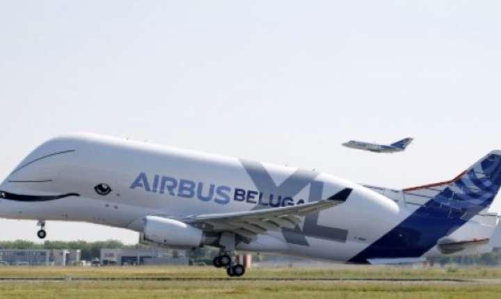 Noul avion cargo Beluga XL din familia Airbus, în forma de balena zambitoare, efectueaza primul zbor de testare, 19 iulie 2018, aeroportul Toulouse- Blagnac