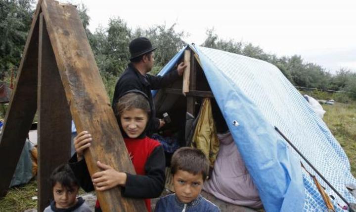 O familie de romi, in nordul Frantei