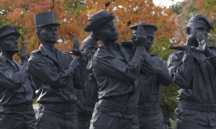 Monumentul în memoria militarilor francezi morti pe teatre de operatiuni exterioare a fost inaugurat de presedintele Emmanuel Macron pe 11 noiembrie 2019