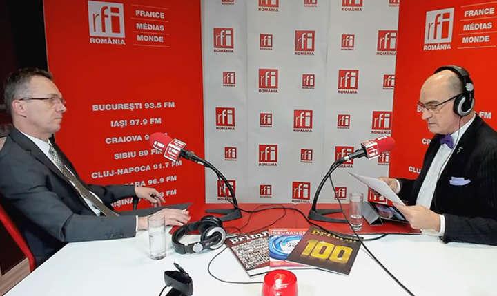 Radu CRĂCIUN - Preşedintele APAPR (Asociaţia pentru Pensiile Administrate Privat din România) - şi Sergiu COSTACHE - Revista PRIMM Asigurări & Pensii în studioul RFI Romania