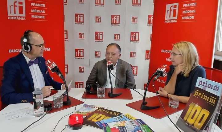 Sergiu COSTACHE, Mihaela CÎRCU și Liviu CHIRIC in studioul de emisie RFI Romania