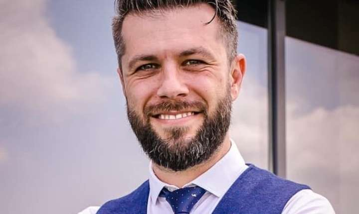 """Purtătorul de cuvânt al CNAS, Daniel Osmanovici, a demisionat la câteva zile după declarația sa de la RFI, conform căreia """"oamenii mor şi cu sistem, şi fără sistem"""""""