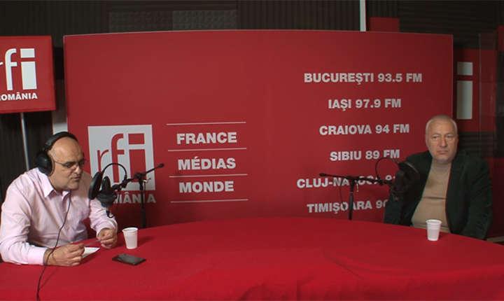Ovidiu Nahoi și Iulian Fota in studioul de înregistrări RFI Romania