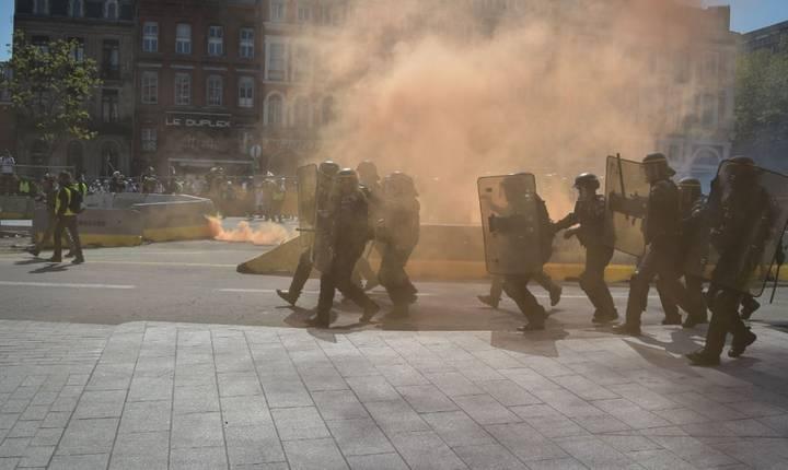Pagube de miliarde de euro s-au înregistrat în cele opt luni de manifestatii violente ale miscarii Vestele galbene în întreaga Franta.