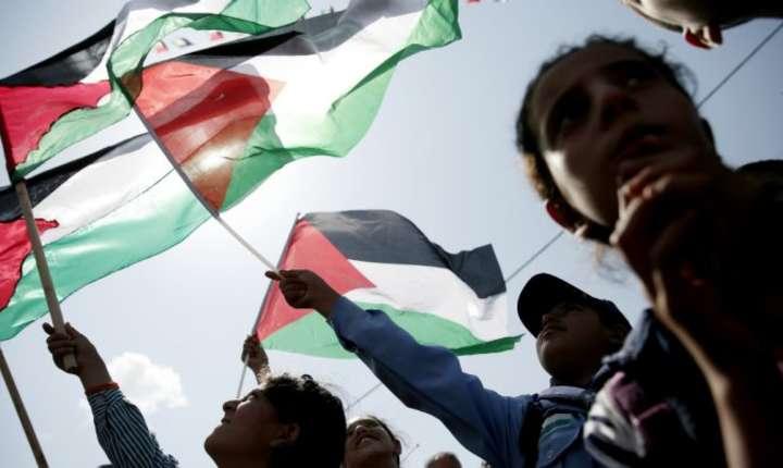 In 2014, Adunarea nationalà francezà adoptase o rezolutie care recunostea existenta unui stat palestinian