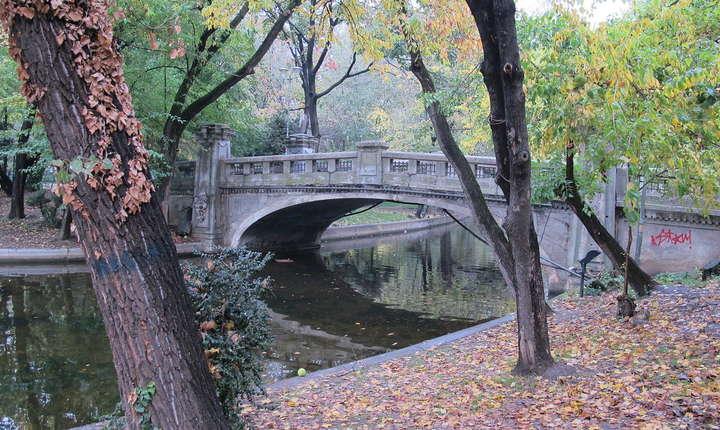 Primăria Capitalei vrea să reabiliteze Parcul Cișmigiu (Sursa foto: wikipedia)
