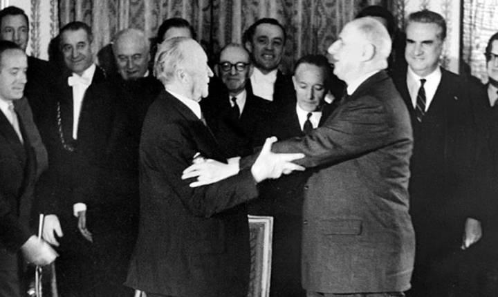 Pe 22 ianuarie 1963, generalul Charles de Gaulle si cancelarul Konrad Adenauer semnau Tratatul de la Elysée